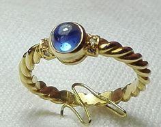 Anillo Oro y zafiro/Gold Ring and Zapphir