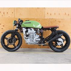 Check out a number of my preferred builds - custom-made scrambler ideas like this Cx500 Cafe Racer, Cb 750 Cafe Racer, Cafe Racers, Cafe Racer Build, Cafe Racer Motorcycle, Motorcycle Design, Bike Design, Scrambler, Cb 500