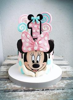Mini Mouse Cake, Minnie Mouse Birthday Cakes, Minnie Cupcakes, Mini Tortillas, Cake Decorating Frosting, Baby Cartoon, Baby Milestones, First Birthdays, Cake Toppers
