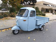 Jumpstart your dream business in 2018 with this versatile and charming Piaggio APE. Perfect for street vending and events. We have this beauty in stock now at our San Francisco showroom. Piaggio Vespa, Vespa Lambretta, Scooters For Sale, Motor Scooters, Vespa 150 Sprint, Motorized Tricycle, Vespa Ape, Classic Vespa, Hot Rod Trucks