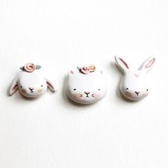 Bunny tie tack pin Floppy or upright ears hand sculpted Polymer Clay Projects, Polymer Clay Crafts, Diy Clay, Polymer Clay Jewelry, Cute Clay, Sculpture Clay, Paper Clay, Air Dry Clay, Ceramic Clay