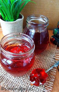 Jeleu de gutui Peltea de gutui Quince Jelly, Marmalade, Preserves, Punch Bowls, Jelly Jelly, Projects To Try, Food And Drink, Jar, Chutneys