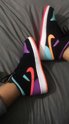 Kd Shoes, Nike Air Shoes, Hype Shoes, Sock Shoes, Shoes Jordans, Sneakers Nike Jordan, Jordan Shoes Girls, Jordans Girls, Outfits With Jordans