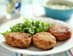 Don't know what to do with those left mashed potatoes? Try these easy-to-make, delicious italian potato cakes Vegetable Recipes, Vegetarian Recipes, Cooking Recipes, Potato Recipes, Keto Recipes, Italian Appetizers, Yummy Appetizers, Mashed Potato Cakes, Mashed Potatoes