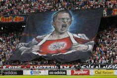 Frank de Boer wereldtrainer!!! Afc Ajax, Amsterdam, Soccer, Adidas, Club, Baseball Cards, Sports, Movie Posters, School