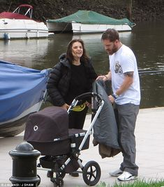 Tom Hardy spotted enjoying daddy duties with wife Charlotte Riley | Daily Mail Online - Nov. 15th 2015
