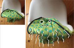Schmeissen euere Kinder auch Wäschestücke überall hin? Meine 12von12 zeigen euch, was ich sehe, wenn ich Wäsche sehe: Lauter Monster!