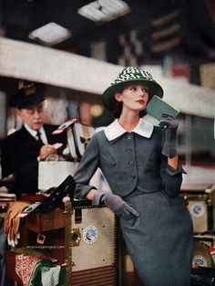 Harper's Bazaar Feb 1956 - Photo by Lillian Bassman #Vintage #Fashion #Chic