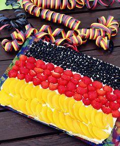 schlandkuchenrezept von jolijou... lässt sich wunderbar abwandeln für jegliche Art von Obst-Blechkuchen