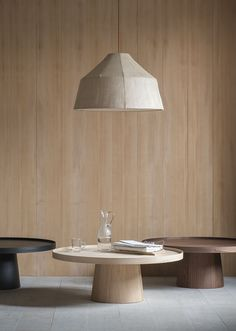 Blending minimalism, coziness and functionality, Scandinavian Interior Design is. Blending minimalism, coziness and functionality, Scandinavian Interior Design is our favourite. Coffe Table, Coffee Table Design, Dining Table, Table Furniture, Home Furniture, Furniture Design, Japanese Home Decor, Interior Design Boards, Scandinavian Interior Design