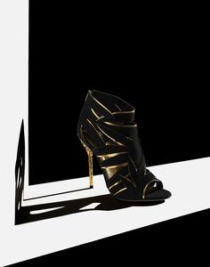 high heel fashion still life product photography by marco girado – Check My Pin – Always Actual Post Still Life Photographers, Gifts For Photographers, Life Photography, Amazing Photography, Product Photography, Jewelry Photography, Photography Ideas, Shoe Advertising, Advertising Design