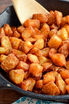 Syn Free Seasoned Crispy Home Fries - the ultimate breakfast side made healthier by cooking in the oven or Actifry. Syn Free Breakfast, Savory Breakfast, Breakfast Ideas, Breakfast Recipes, Slimming World Desserts, Slimming World Breakfast, Oven Home Fries, Slimming Eats, Slimming Recipes