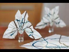 http://pozytywnakuchnia.pl/skladanie-serwetki-w-motyla/ pokazuje jak złożyć serwetkę w kształt motyla. Składanie serwetek jest przyjemne i proste :).