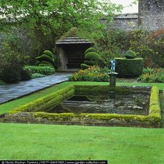 Classic Edwardian garden to my eyes.