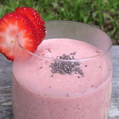 Do you ever wake up craving a specific food? Today I was just craving strawberries. Always a good idea to listen to the body, so I made this tasty strawberry smoothie. Do you use chia seeds in your smoothies? They're definitely a staple in mine, and here's why: they're naturally detoxifying and contain a healthy …