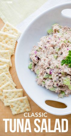 Classic Tuna Salad Classic Tuna Salad - Half a cup of our tasty tuna salad comes to only 85 calories, 1 gram of fat and 2 WWP+.:Classic Tuna Salad - Half a cup of our tasty tuna salad comes to only 85 calories, 1 gram of fat and 2 WWP+. Seafood Recipes, Cooking Recipes, Dinner Recipes, Healthy Snacks, Healthy Recipes, Healthy Eating, Nutritious Meals, Delicious Recipes, Soup And Salad