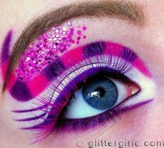 Cheshire Cat eye make up - Alice in Wonderland Themed. This is amazing. Alice In Wonderland Makeup, Alice In Wonderland Series, Cheshire Cat Makeup, Chesire Cat, Cheshire Cat Costume, Makeup Geek, Makeup Art, Fun Makeup, Gato Alice