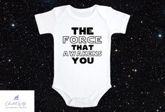 Star Wars Onesie, Star Wars Baby, Cute Baby Onesies, Baby Girl Shirts, How To Shrink Clothes, Baby Announcement To Husband, Baby Washcloth, Funny Outfits, Baby Shower