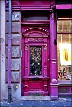 RIMG5269 purple door