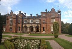 Keele_Hall_from_Gardens_(West_Aspect).jpg (3744×2544)