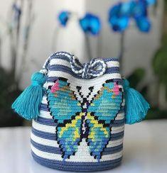 Crochet Clutch Pattern, Tapestry Crochet Patterns, Crochet Handbags, Crochet Purses, Mochila Crochet, Tapestry Bag, Mehndi Designs, Purses And Bags, Handmade