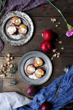 roasted plums with brown sugar and crème fraîche + a food photography & styling workshop in Tuscany.