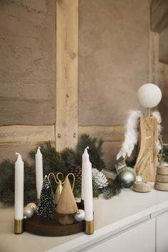 Winterlich dekorierte Holzschale mit Kerzenhaltern LUNA von applicata