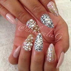 Gold Bling Stiletto Almond Nails @nailsyulieg | Classy