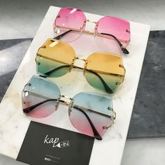 Vintage oversized glasses Vintage clear oversized glasses no brand Accessories Glasses Cute Sunglasses, Ray Ban Sunglasses, Cat Eye Sunglasses, Mirrored Sunglasses, Sunglasses Women, Coque Smartphone, Lunette Style, Jewelry Accessories, Fashion Accessories
