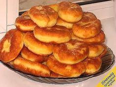 ✔Пирожки мягенькие  Тесто замечательное - мягкое, нежное, воздушное. Просто очень вкусное. Это тесто подходит к любой начинке.   Ингредиенты: мука - 600 гр сахар-песок - 4 ст.л. яйца - 2 шт. маргарин - 50 гр (можно заменить слив. маслом) молоко - 250 мл (можно заменить водой + сух. молоко 2 ст.л.) соль - 1 ч.л. дрожжи - 2 ч.л. (сухие) ванилин - 1 ч.л. (можно и без него)  Начинка - какая Вашей душе угодна!