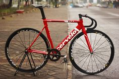 Red Cervelo T1