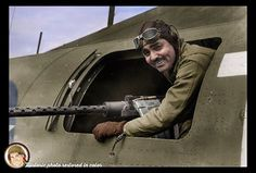 American film star First Lieut. Clark Gable at the waist gun position of his Flying Fortress, on an airfield somewhere in England on June 1943 colorized by Historic photo restored in color William Clark Gable February 1901 – November 1960 Clark Gable, It Happened One Night, Man Of War, Photo Restoration, Carole Lombard, Star Wars Toys, Gone With The Wind, Our Country, Fotografia