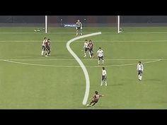 10 Gol tendangan melengkung ajaib