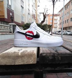 Custom Nike Air Force one lips kiss bite custom sneakers custom shoes custom nike custom kicks hand painted Tenis Nike Casual, Tenis Nike Air, Leggings Nike, Shorts Nike, Painted Sneakers, Painted Shoes, Custom Made Shoes, Custom Sneakers, On Shoes
