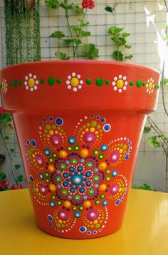 flowerpotsoutdoor puntillismo Puntillismo PuntillismoYou can find Painted flower pots and more on our website Flower Pot Art, Flower Pot Design, Mosaic Flower Pots, Clay Flower Pots, Flower Pot Crafts, Flower Vases, Dot Art Painting, Pottery Painting, Diy Painting