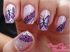 рисунок бабочки и животный принт на ногтях