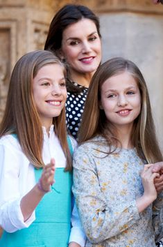 Queen Letizia of Spain (C), Infanta Sofia of Spain (L) and Princess Leonor of Spain (R) attend the Easter mass on April 1, 2018 in Palma de Mallorca, Spain.