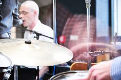 Die Kölner Band Van Zoyd hat als zweite Gruppe im Rahmen unserer Hofkonzerte gespielt. Zwar war das Wetter am 14. Juli 2011 derart miserabel, dass wir vom Hof ins Café ausweichen mussten, das Konzert aber war trotzdem klasse.