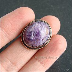 Лаконичный перстень с чароитом.