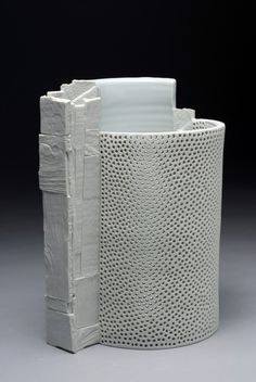 The Futures: The Next Generation of Ceramic Trailblazers « Vessels Gallery