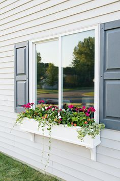 19 Do It Yourself: Window Planter Box Oh! And I wanted to add that if the brackets don't seem to offer enough support, you could also try installing a french cleat which can be secured into studs and offer much more support. Best of luck Linda! Diy Planter Box, Diy Planters, Vegetable Planters, Fall Planters, Planter Ideas, Vegetable Gardening, Window Planter Boxes, Window Box Diy, Wooden Window Boxes