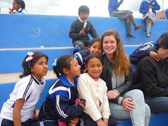 Our #volunteer Caro teaching #English to little girls in #Cusco.