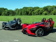While the aforementioned Campagna T-Rex makes use of a 160 bhp BMW Motorrad-derived engine, the Polaris Slingshot will reportedly be powered by a 4-cylinder, 2.