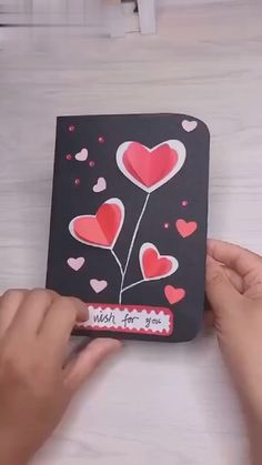 how to DIY a valentins gift card with hearts and beautiful flowers. diy videos for teens valentines gift card Diy Crafts Hacks, Diy Crafts For Gifts, Diy Arts And Crafts, Card Crafts, Diy Gifts Handmade, Love Cards Handmade, Diy Gifts For Mom, Cool Paper Crafts, Paper Crafts Origami