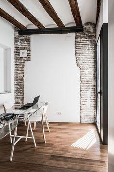 whatawonderfulhome: #Walls  http://www.aa13.fr/architecture/housing-rehabilitation-in-carmen-versea-36393