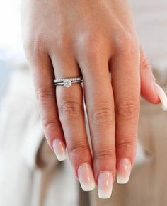Sara is a classic ring with a thin shank that makes the diamond look bigger. Here combined with Sofia. Stacked Wedding Rings, Wedding Rings Simple, Gold Knot Ring, Small Engagement Rings, Swarovski, Wedding Ring Designs, Pear Shaped Diamond, Schmuck Design, Diamond Wedding Bands