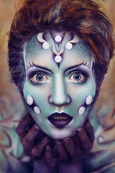 Photographer: Sarina Mannaert Hair/Makeup/Body Painter: Sarina Mannaert and Lieve Humbeeck Model: My Fragility