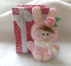 Baby Bunny brooch Bunny suit brooch Baby shower gift Rabbit brooch Felt brooch Felt pin Plush bunny Kids pin Kids jewellery