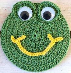 """Click the banners below for more of our most beautiful patterns, available via mail or download!   Beginner SkillFROG CRITTER COASTER  Size:5"""" Diameter (fits over a CD) Materials:Sport Weight Yarn; Green (MC) ¾ oz, 54 yd; Yellow (Y) 3 yd Additional Materials:Glue, Yarn Needle 1"""" Wiggly Eyes - 2 Crochet Hook:Size"""