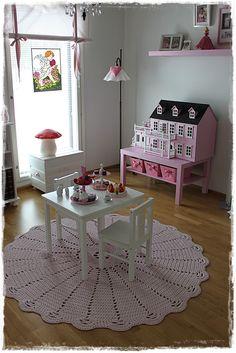 Girls room, mushroom lamp, sweet pink dollhouse.
